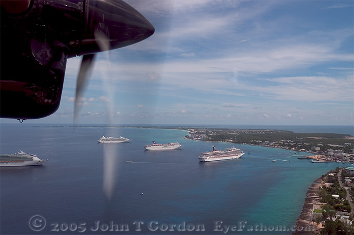 Eyefathom.com Photos - Cruise Ships in Grand Cayman Harbor 2